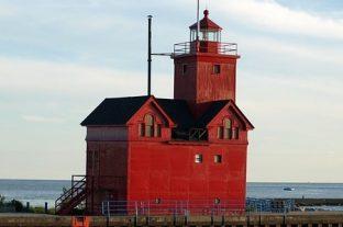 Holland, Michigan | Big Red Lighthouse